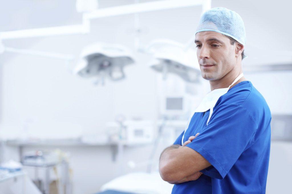 Un docteur en médecine